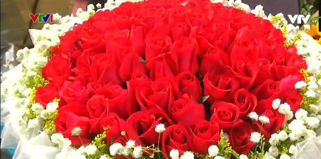 Trung Quốc: Giá hoa dịp Valentine tăng cao - Ảnh 3.