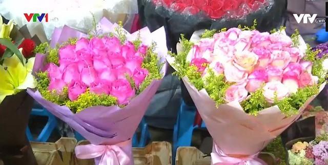 Trung Quốc: Giá hoa dịp Valentine tăng cao - Ảnh 4.