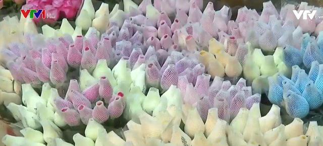Trung Quốc: Giá hoa dịp Valentine tăng cao - Ảnh 2.