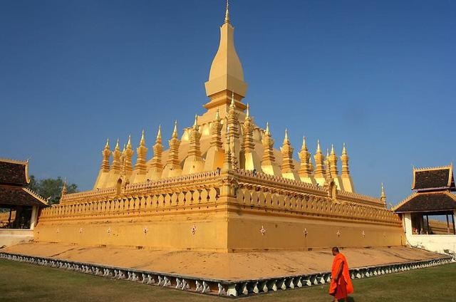 Những ngôi chùa nổi tiếng bạn nên đến hành hương đầu năm - Ảnh 3.