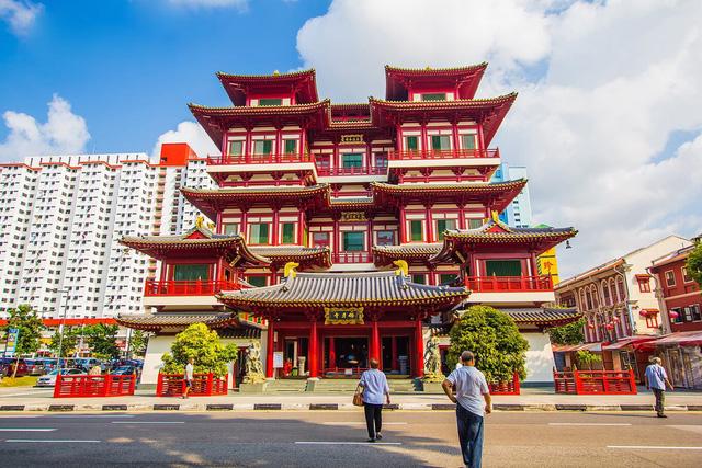 Những ngôi chùa nổi tiếng bạn nên đến hành hương đầu năm - Ảnh 4.
