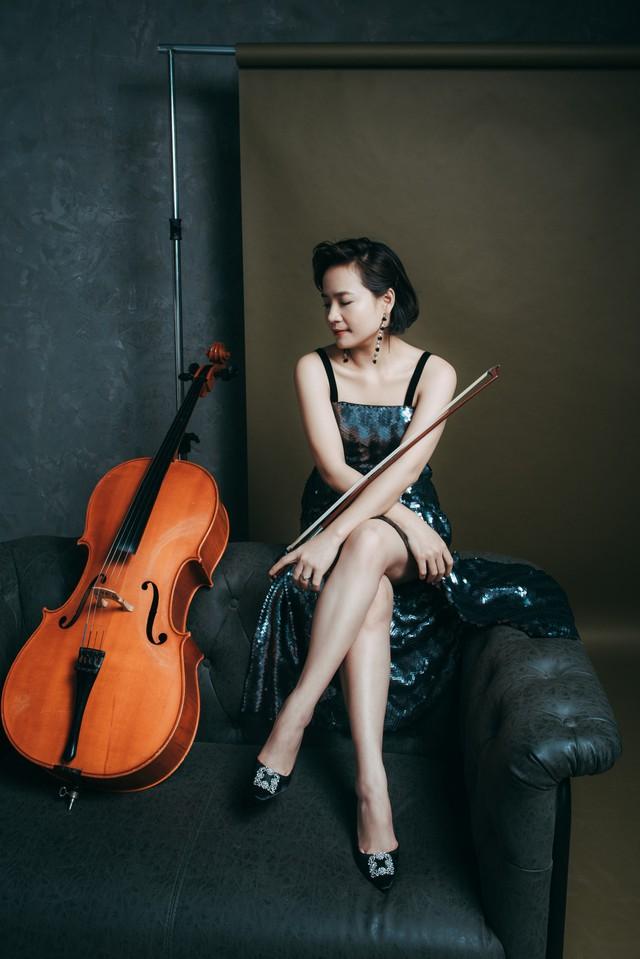 Nghệ sĩ Đinh Hoài Xuân: Từng ngủ trên xe chở gà, lợn - Ảnh 2.