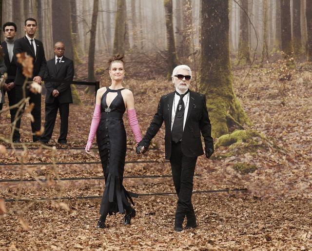 Ông hoàng của Chanel Karl Lagerfeld qua đời ở tuổi 85 - Ảnh 1.