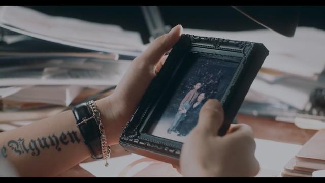 Dương Edward ra mắt MV hát về nỗi lòng người con xa quê nhớ mẹ ngày Tết - Ảnh 2.