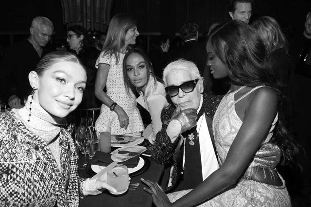 Các sao hụt hẫng sau cái chết của tượng đài Chanel Karl Lagerfeld - Ảnh 2.