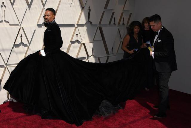 Đây là bộ cánh độc nhất trên thảm đỏ Oscar 2019 - Ảnh 4.
