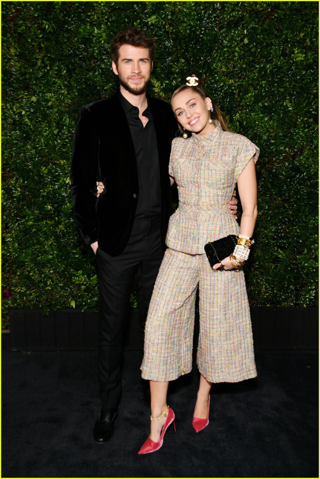 Oscar 2019: Cô dâu mới Miley Cyrus thu hút mọi ánh nhìn - Ảnh 2.
