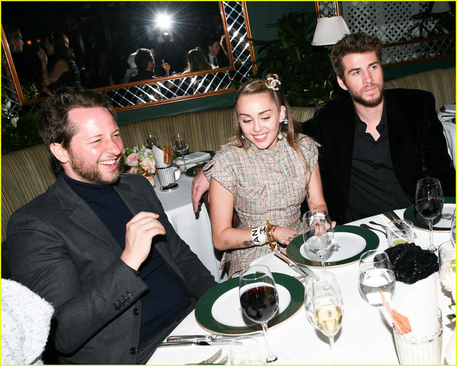 Oscar 2019: Cô dâu mới Miley Cyrus thu hút mọi ánh nhìn - Ảnh 6.