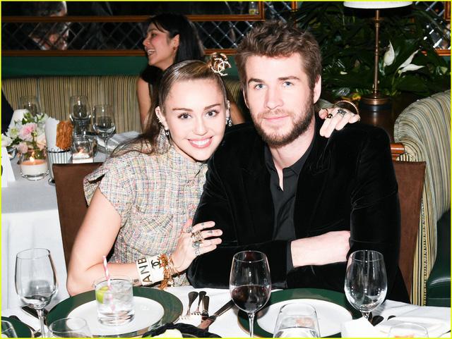 Oscar 2019: Cô dâu mới Miley Cyrus thu hút mọi ánh nhìn - Ảnh 7.