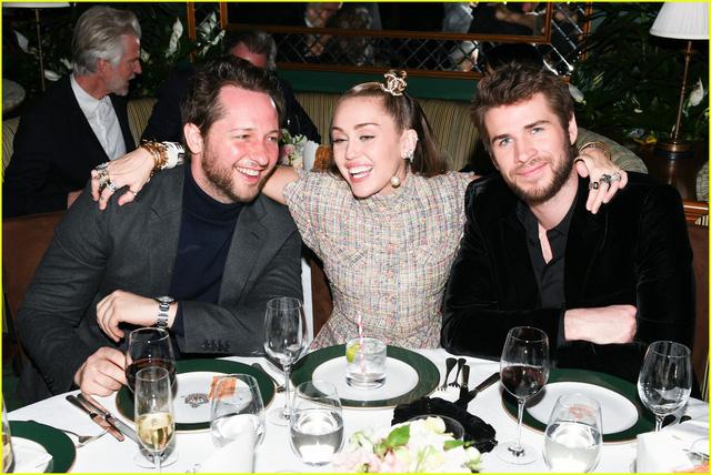 Oscar 2019: Cô dâu mới Miley Cyrus thu hút mọi ánh nhìn - Ảnh 8.
