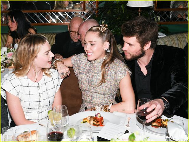 Oscar 2019: Cô dâu mới Miley Cyrus thu hút mọi ánh nhìn - Ảnh 9.