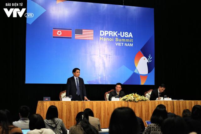 Chiêu đãi bạn bè quốc tế phở bò, café trứng khi đưa tin Hội nghị thượng đỉnh Mỹ-Triều - Ảnh 1.