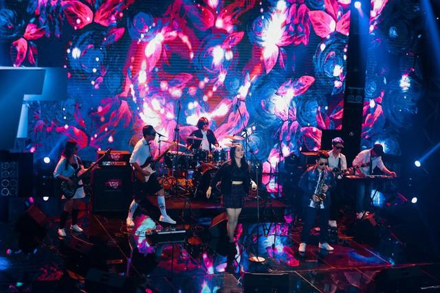 Mỹ Linh nghi ngờ chuyên môn của các HLV khác trong tập 7 Ban nhạc Việt - Ảnh 2.