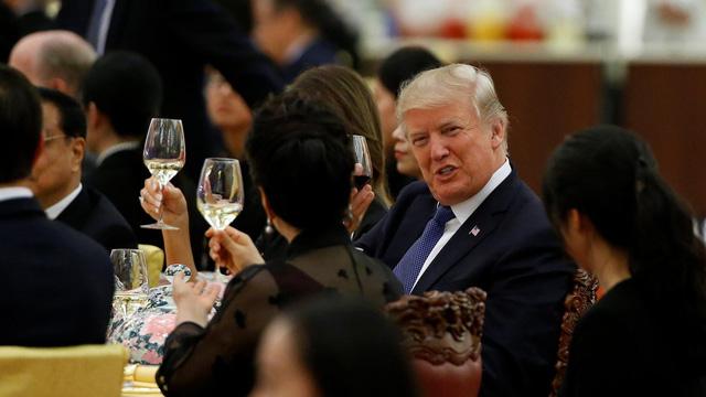 Các nhà lãnh đạo Mỹ và Triều Tiên ăn gì trong những chuyến công du? - Ảnh 9.