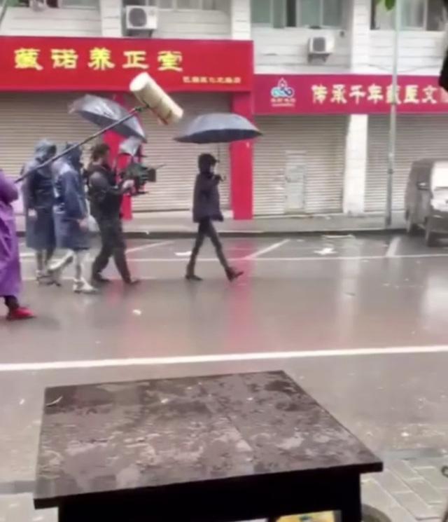 Dương Mịch đã trở lại phim trường sau ly hôn - Ảnh 4.