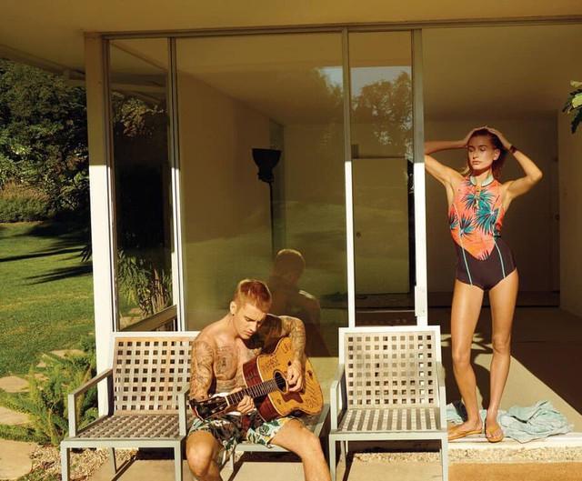 Justin Bieber tung bộ ảnh nóng bỏng bên vợ - Ảnh 2.