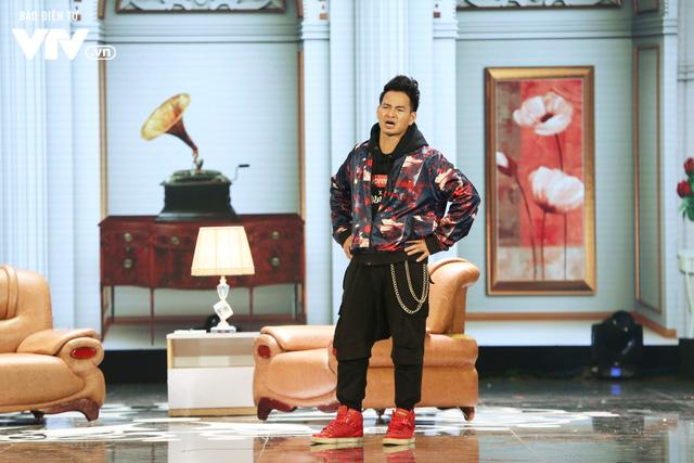 Xuân Bắc khóc nghẹn vì bố Tự Long, Quang Thắng ở Gala cười 2019 - Ảnh 1.