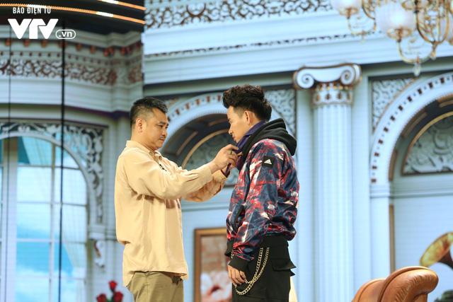 Xuân Bắc khóc nghẹn vì bố Tự Long, Quang Thắng ở Gala cười 2019 - Ảnh 8.