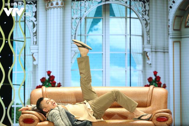 Xuân Bắc khóc nghẹn vì bố Tự Long, Quang Thắng ở Gala cười 2019 - Ảnh 10.