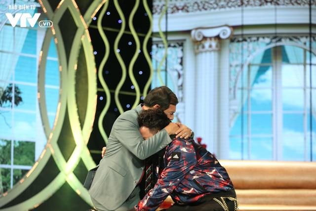 Xuân Bắc khóc nghẹn vì bố Tự Long, Quang Thắng ở Gala cười 2019 - Ảnh 23.