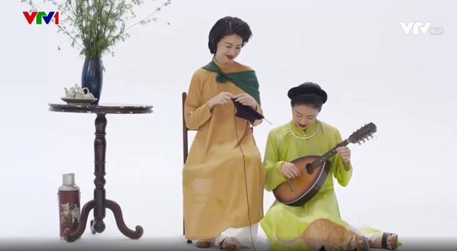 MC Phí Linh, Hồng Nhung diện các mẫu áo dài trong 100 năm qua - Ảnh 11.