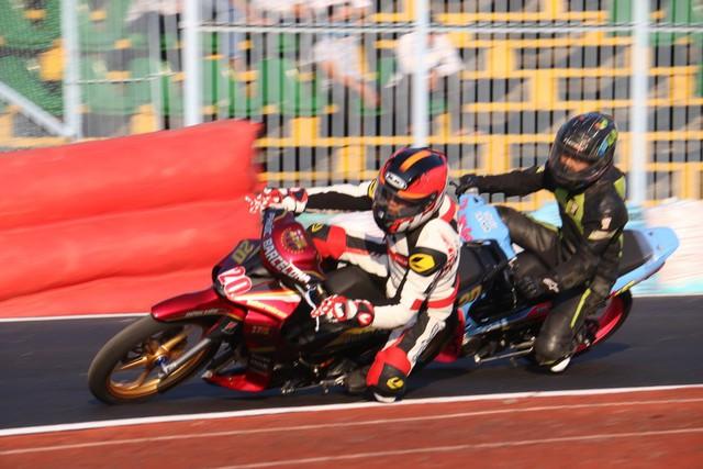 Kịch tính giải đua moto toàn quốc tranh cúp Quốc gia 2019 - Ảnh 2.
