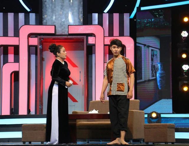 Người mẫu Lê Xuân Tiền nhanh trí giúp đội Trai đen giành chiến thắng trong Bộ ba siêu đẳng - Ảnh 4.