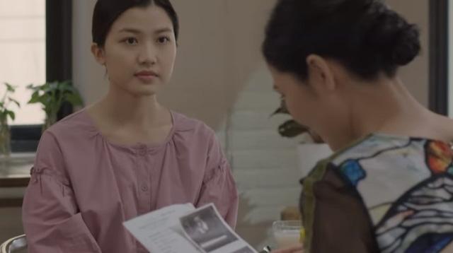 Những cô gái trong thành phố - Tập 23: Dù sợ hãi, Tùng vẫn chấp nhận lên giường với nữ đại gia lớn tuổi - Ảnh 3.