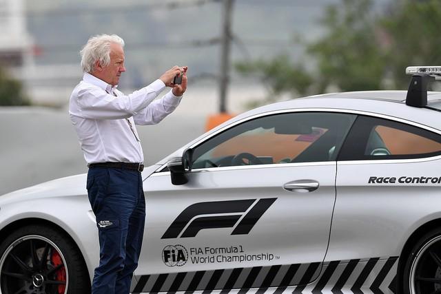 Charlie Whiting - Giám đốc giải đua xe công thức 1 qua đời - Ảnh 1.
