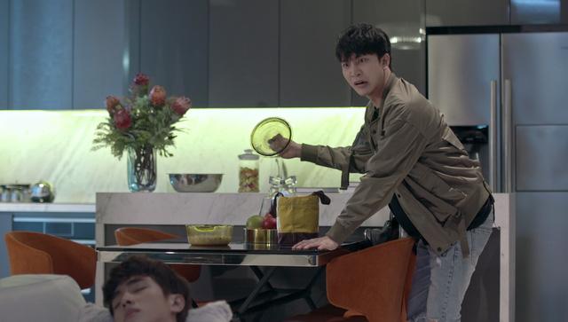 Những biểu cảm khó đỡ của B Trần trong phim Mối tình đầu của tôi - Ảnh 9.