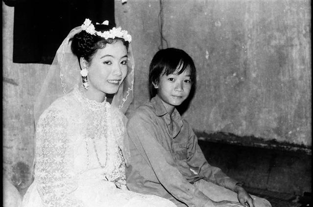 Sau 32 năm, NSƯT Chiều Xuân hé lộ hình ảnh đám cưới  - Ảnh 2.