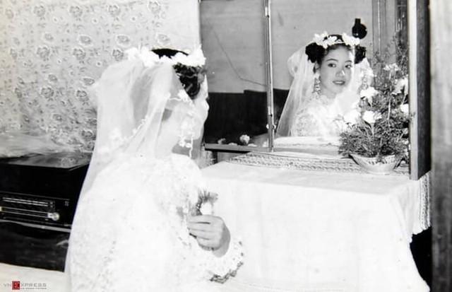 Sau 32 năm, NSƯT Chiều Xuân hé lộ hình ảnh đám cưới  - Ảnh 3.