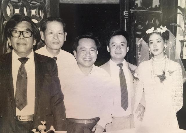 Sau 32 năm, NSƯT Chiều Xuân hé lộ hình ảnh đám cưới  - Ảnh 1.