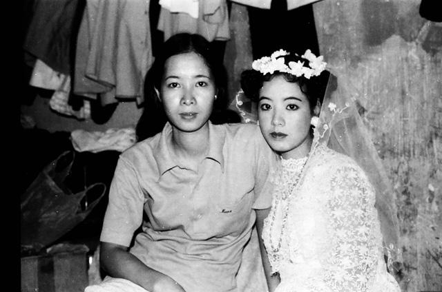 Sau 32 năm, NSƯT Chiều Xuân hé lộ hình ảnh đám cưới  - Ảnh 4.