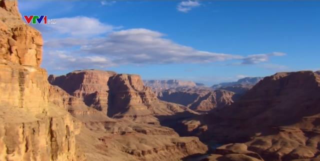 Chiêm ngưỡng khung cảnh hùng vĩ của hẻm vực Grand Canyon - ảnh 1