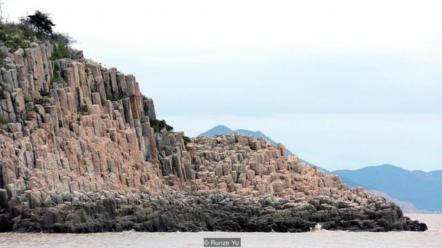 Chiêm ngưỡng kỳ quan địa chất siêu thực ở Trung Quốc - Ảnh 1.