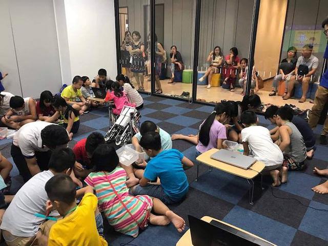 Trẻ em say mê với trải nghiệm lập trình robot - Ảnh 3.
