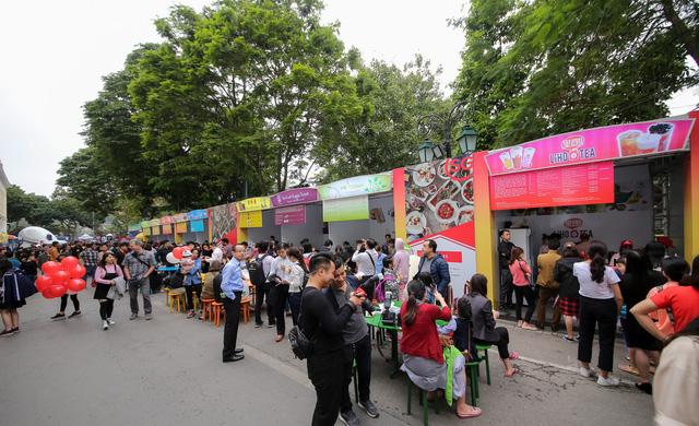 Cơm gà đẳng cấp Michelin gây sốt ở Lễ hội Singapore đầu tiên tại Việt Nam - Ảnh 6.