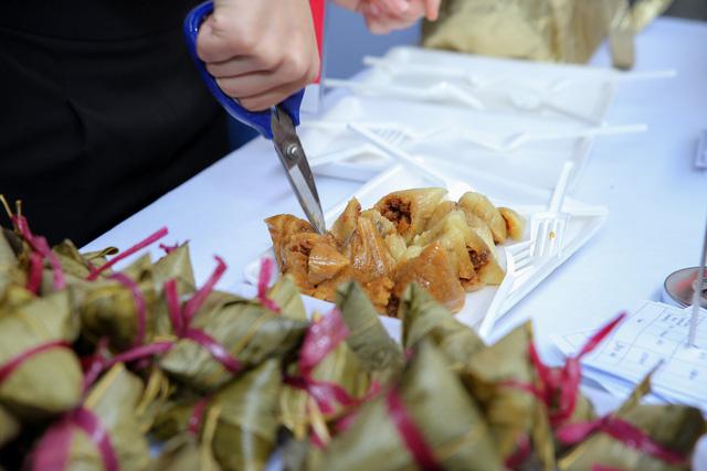 Cơm gà đẳng cấp Michelin gây sốt ở Lễ hội Singapore đầu tiên tại Việt Nam - Ảnh 9.
