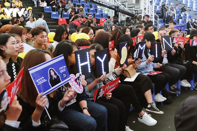 Hyomin (T-ara) náo loạn Bữa trưa vui vẻ cùng hàng trăm fan Việt - Ảnh 16.