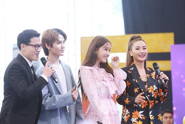 Hyomin (T-ara) náo loạn Bữa trưa vui vẻ cùng hàng trăm fan Việt - Ảnh 9.
