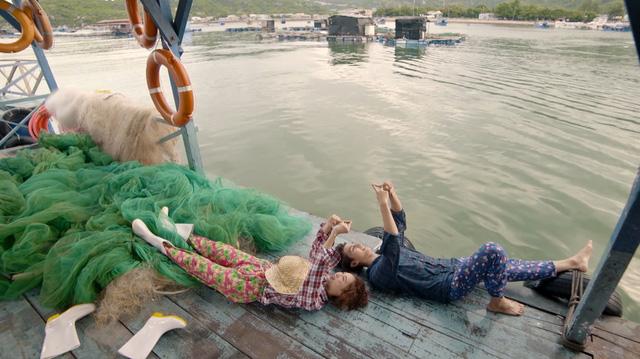 Loạt ảnh tình bể bình của cặp đôi chính phim Mối tình đầu của tôi - Ảnh 10.
