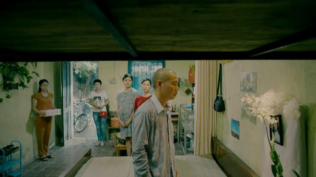 Rớt nước mắt với video hé lộ kết phim Những cô gái trong thành phố - Ảnh 10.