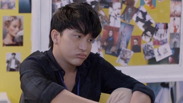 Những biểu cảm khó đỡ của B Trần trong phim Mối tình đầu của tôi - Ảnh 6.