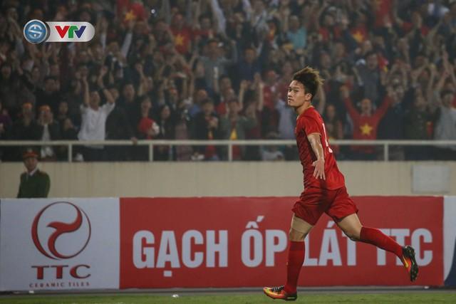 ẢNH: Đại thắng U23 Thái Lan, U23 Việt Nam giành vé tham dự VCK U23 châu Á 2020 - Ảnh 9.