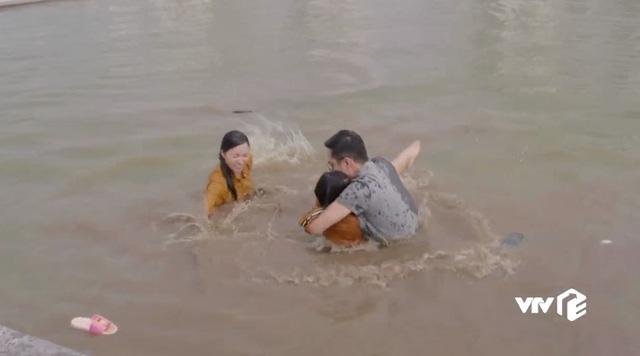 Những cô gái trong thành phố - Tập 27: Trúc lao mình xuống nước cứu Trâm Anh, bật khóc thú nhận thích Bách - Ảnh 8.