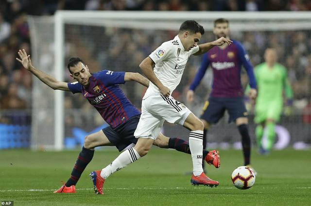 Siêu kinh điển: Barcelona thắng tối thiểu Real Madrid tại Bernabeu - Ảnh 2.