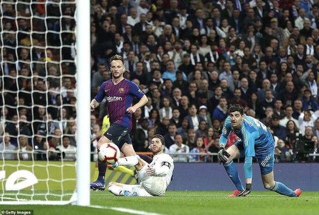 Siêu kinh điển: Barcelona thắng tối thiểu Real Madrid tại Bernabeu - Ảnh 4.