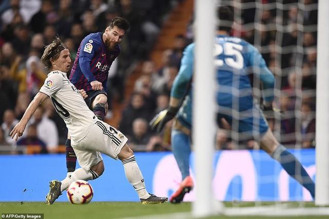 Siêu kinh điển: Barcelona thắng tối thiểu Real Madrid tại Bernabeu - Ảnh 9.