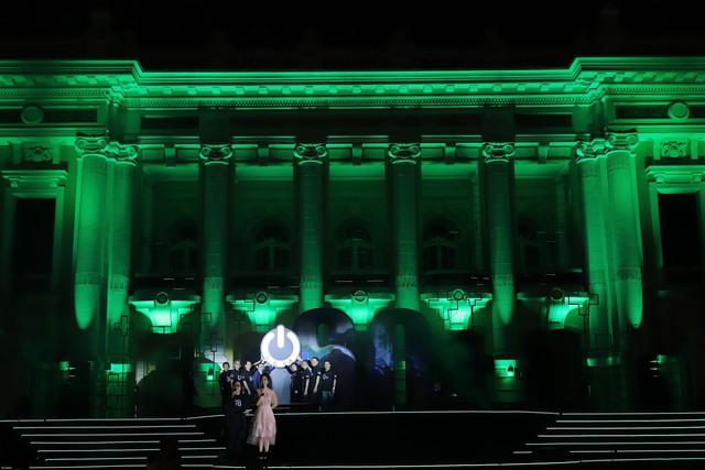 Hình ảnh ấn tượng của Lễ Tắt đèn hưởng ứng Giờ Trái đất 2019 tại Hà Nội - Ảnh 3.